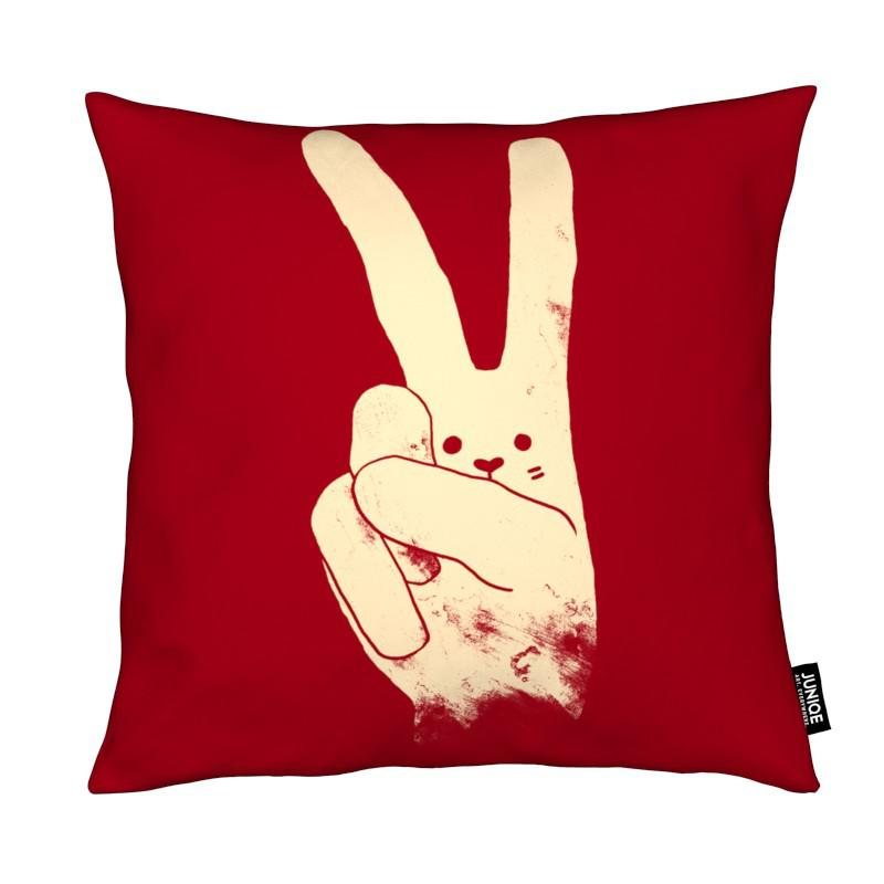 Love, Peace and Carrots coussin