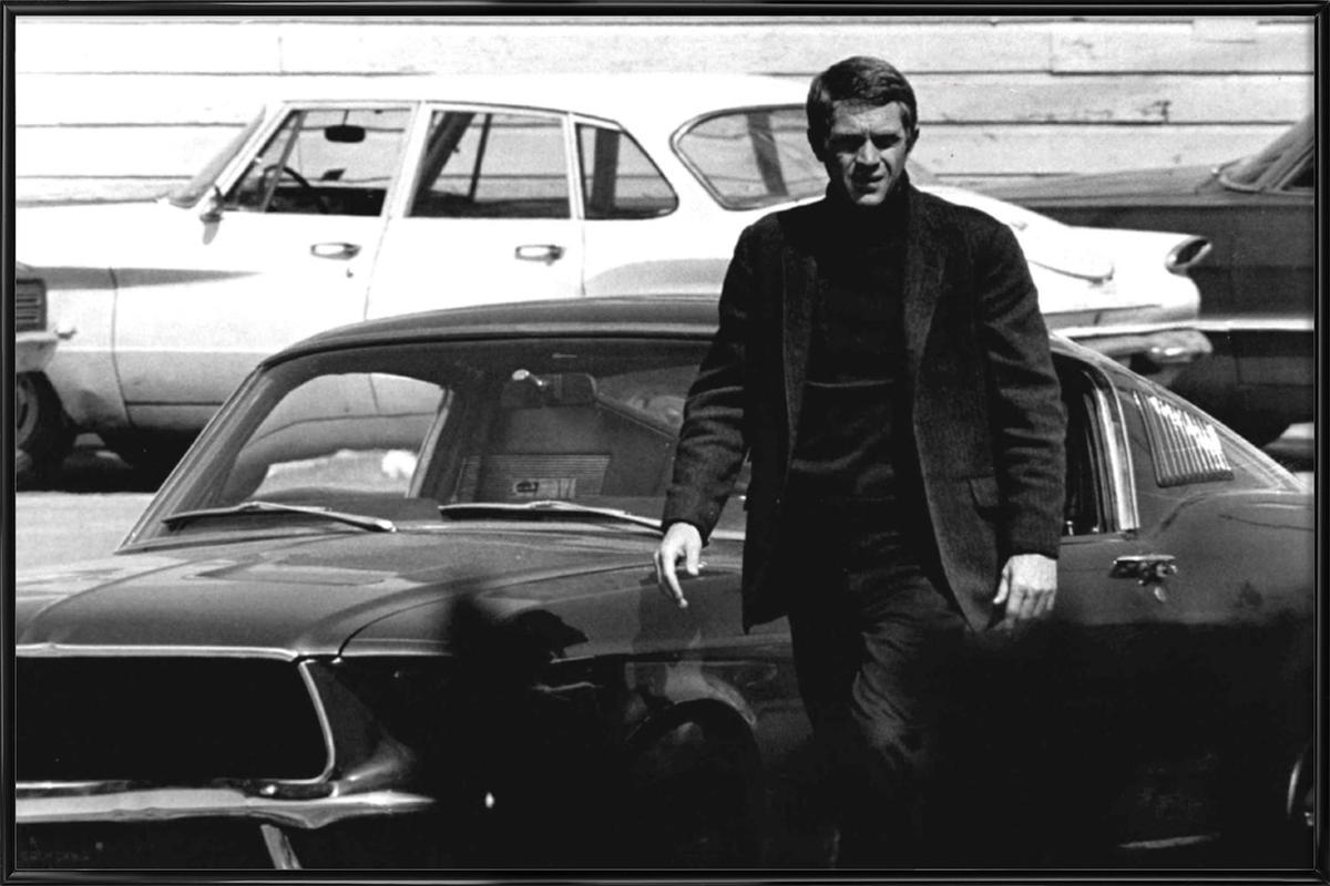 Steve McQueen in Bullitt, 1969 -Bild mit Kunststoffrahmen