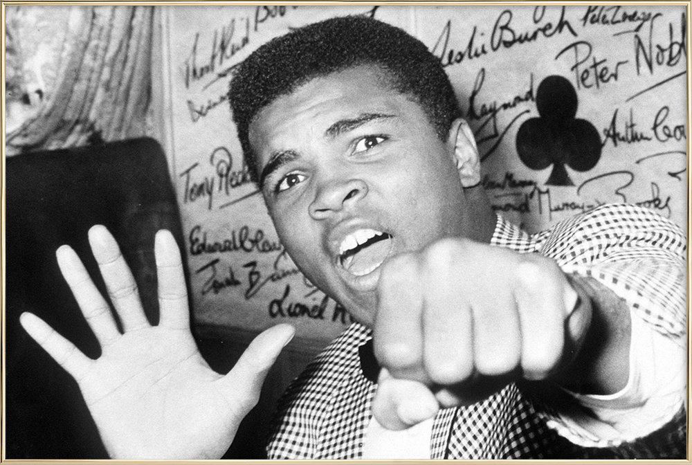Muhammad Ali - The Greatest affiche sous cadre en aluminium