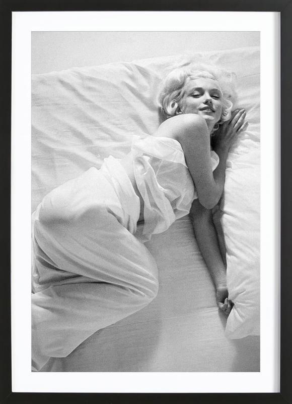 Marilyn Monroe in Bed affiche sous cadre en bois