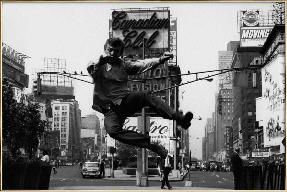 Tommy Steele at Times Square affiche sous cadre en aluminium