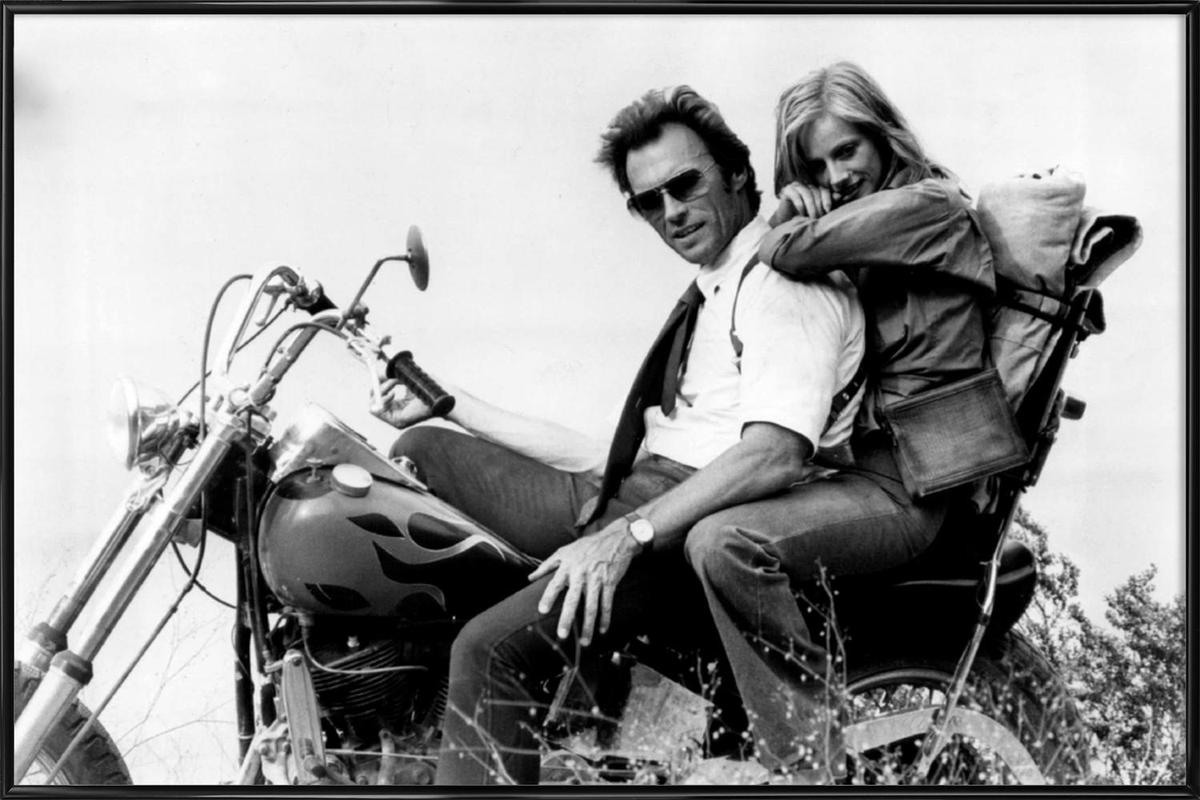 Clint Eastwood & Sondra Locke in 'The Gauntlet' affiche encadrée