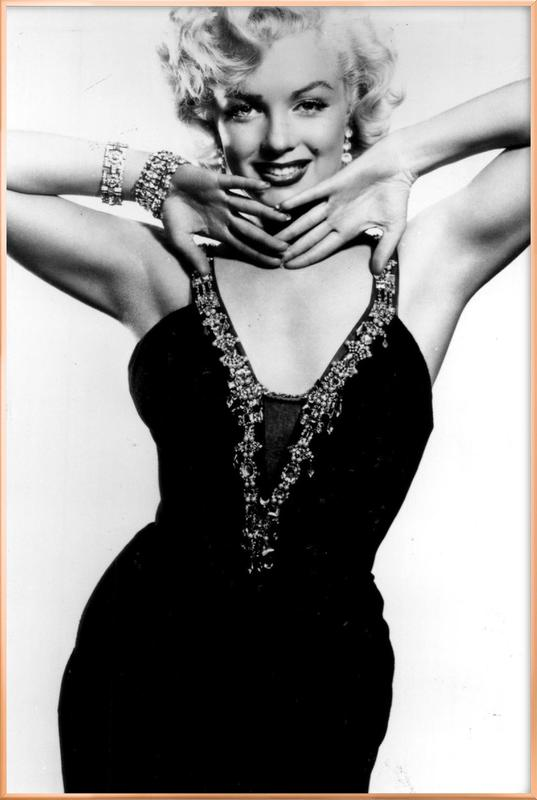 Marilyn Monroe in a glamourous black dress affiche sous cadre en aluminium