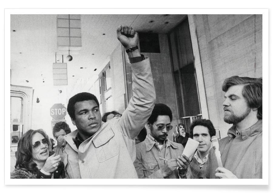 Schwarz & Weiß, Muhammad Ali, Muhammad Ali raises his Fist -Poster