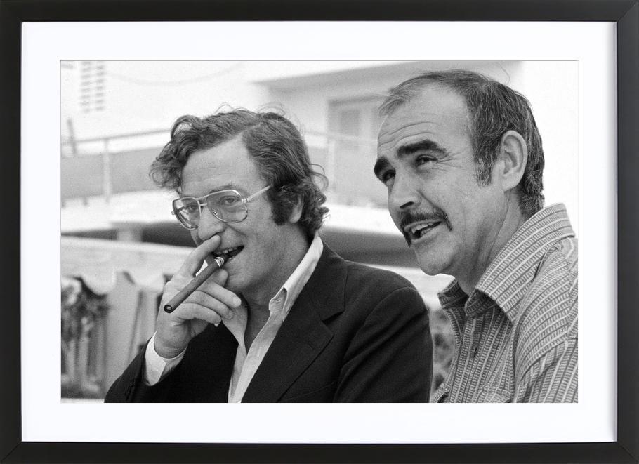 Michael Caine & Sean Connery on Set affiche sous cadre en bois