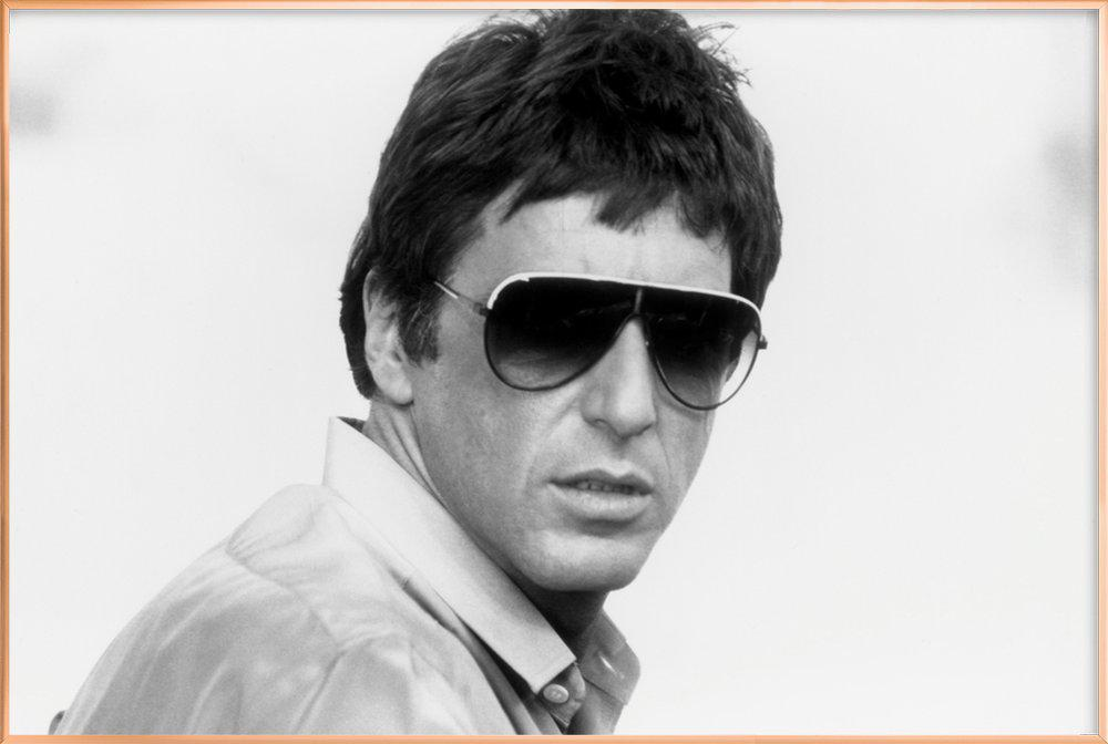 Al Pacino as Tony Montana in 'Scarface' affiche sous cadre en aluminium