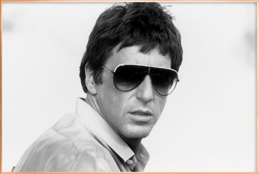 Al Pacino as Tony Montana in 'Scarface' Poster in Aluminium Frame