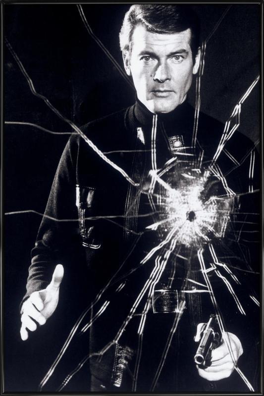 Roger Moore in  'Live and Let Die' affiche encadrée