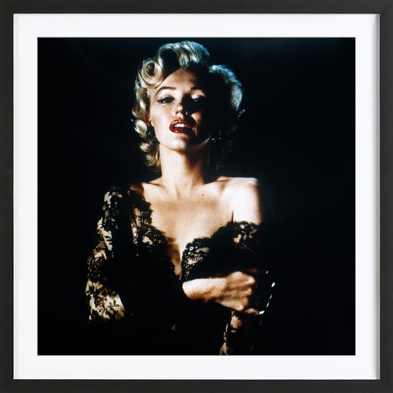Marilyn Monroe wearing Black Lace affiche sous cadre en bois