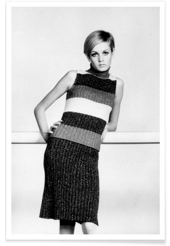 , Twiggy in a knitted suit affiche