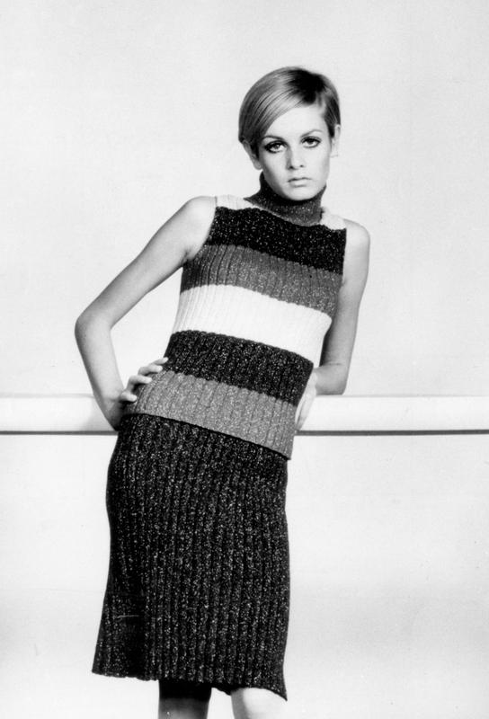 Twiggy in a knitted suit acrylglas print