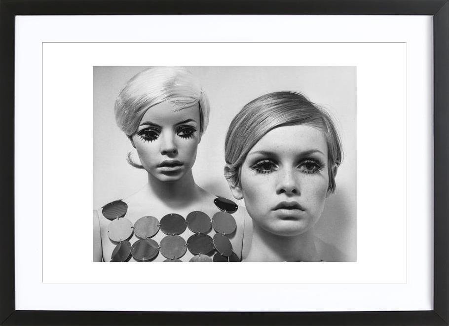 Twiggy and Mannequin, 1966 -Bild mit Holzrahmen