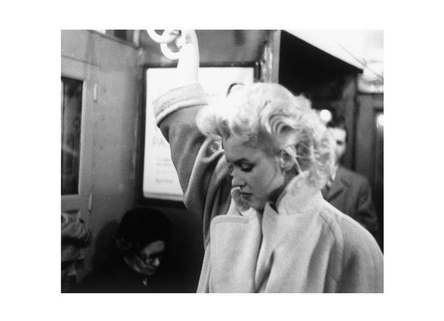 Marilyn Monroe, on subway 1995 New York Canvas Print
