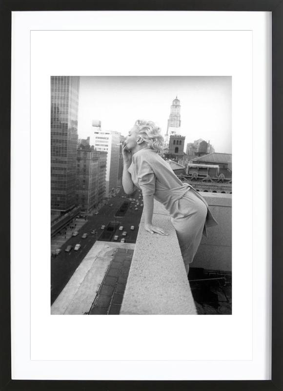 Marilyn Monroe in New York, 1955 affiche sous cadre en bois