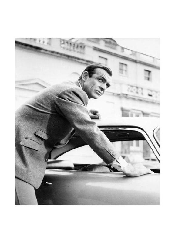 Sean Connery as James Bond in Goldfinger, 1964 toile