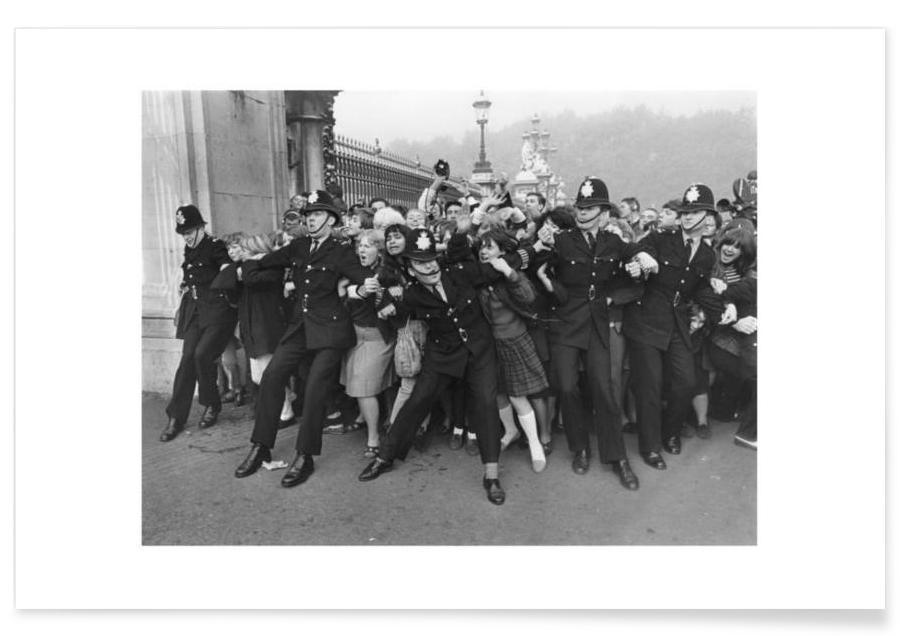 The Beatles, Noir & blanc, Beatles recevant leur MBE, 1965 - Photographie affiche