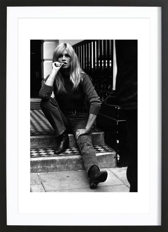 Brigitte Bardot, 1966 affiche sous cadre en bois