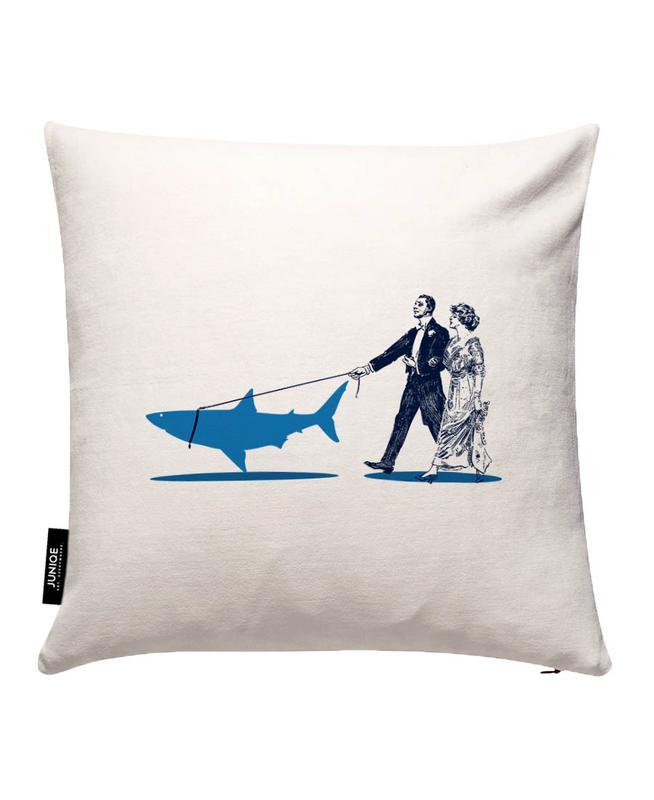 Walking The Shark Kissenbezug