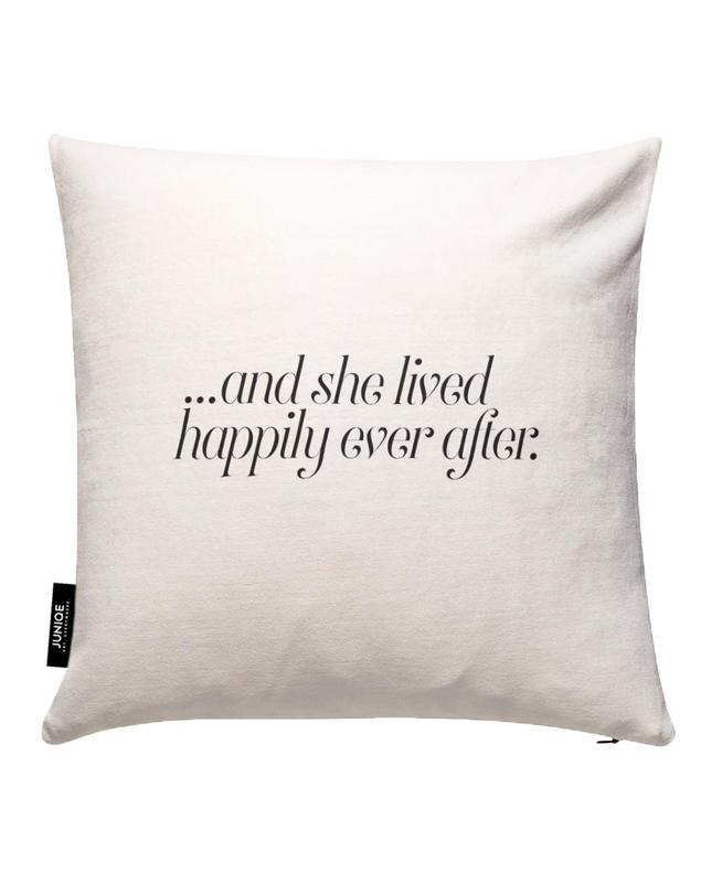 And She Lived Happily Kissenbezug