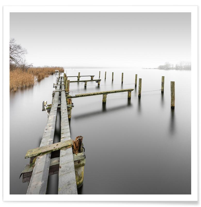 Schwarz & Weiß, Reise, Architekturdetails, Abstrakte Landschaften, Bathed In Clouds Of Fog | Schwielowsee 2021 -Poster