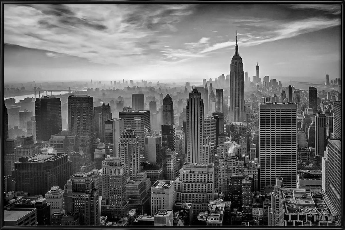 Hazy Gotham - Stefan Schilbe -Bild mit Kunststoffrahmen