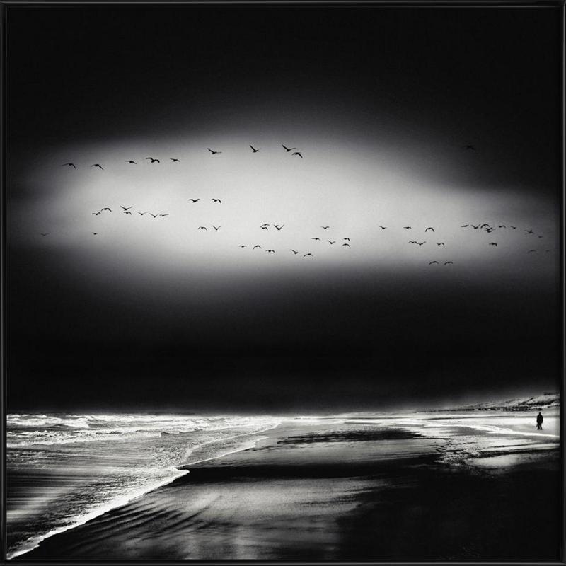 The Song Of The Wet Sands - Piet Flour -Bild mit Kunststoffrahmen