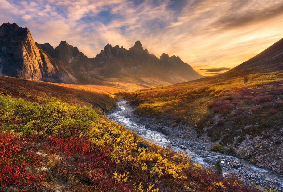 Mountain Paradise - Chris Moore -Acrylglasbild