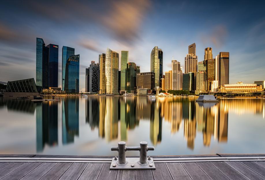 Golden Morning in Singapore -Acrylglasbild