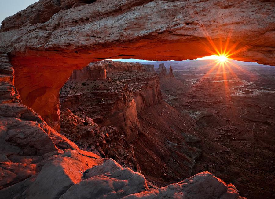 Mesa Arch Sunrise - BarbaraRead toile