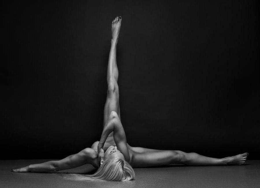 Bodyscape - Anton Belovodchenko Canvas Print