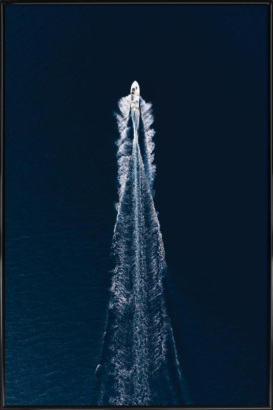 Boat Trip Trough Blue -Bild mit Kunststoffrahmen