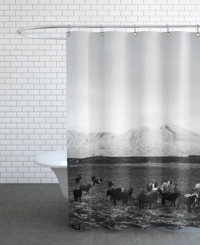 Pferde, Berge, Schwarz & Weiß, The herd -Duschvorhang
