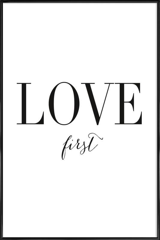 Love First -Bild mit Kunststoffrahmen