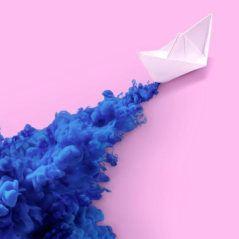 Paper Boat -Acrylglasbild