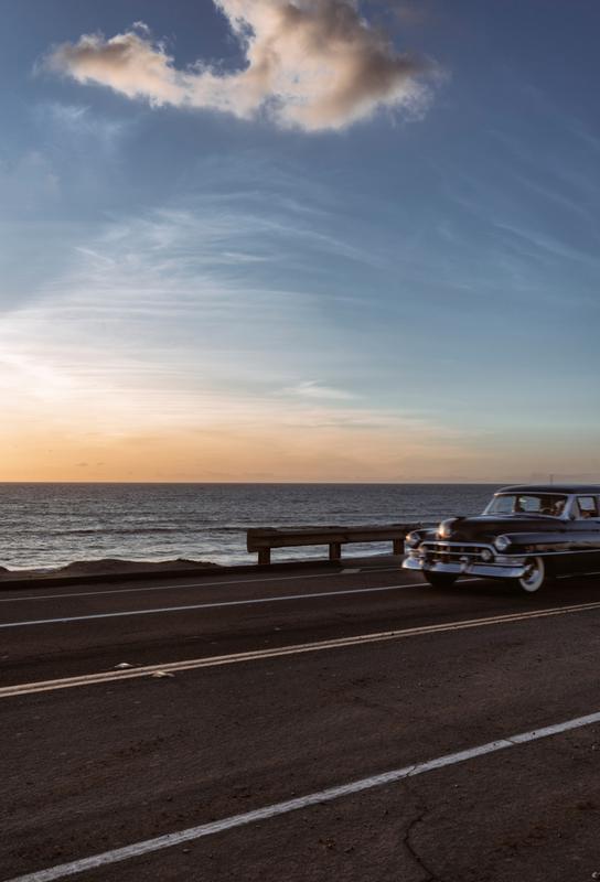 Cadillac Sunset Cruise I -Acrylglasbild