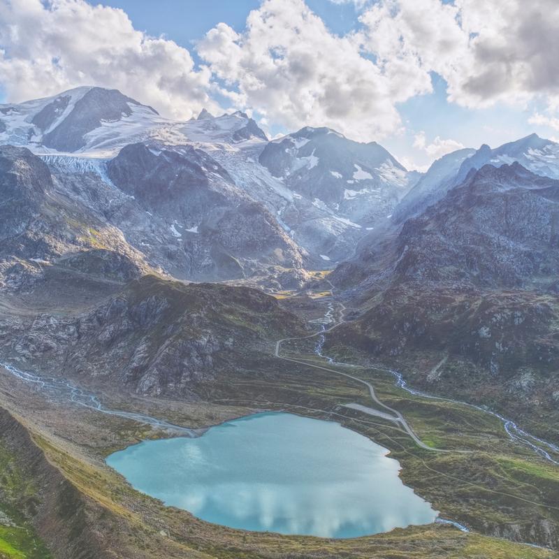 Heart Lake -Leinwandbild