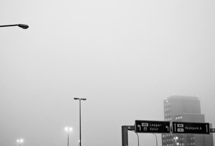 Reykjavík in the mist tableau en verre