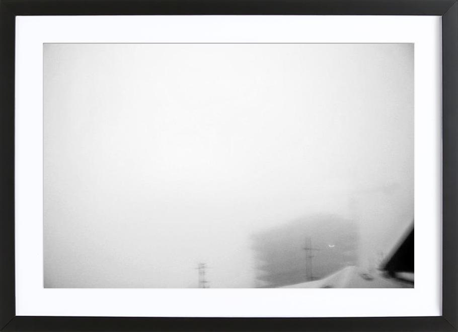 Reykjavík in the mist 2 -Bild mit Holzrahmen