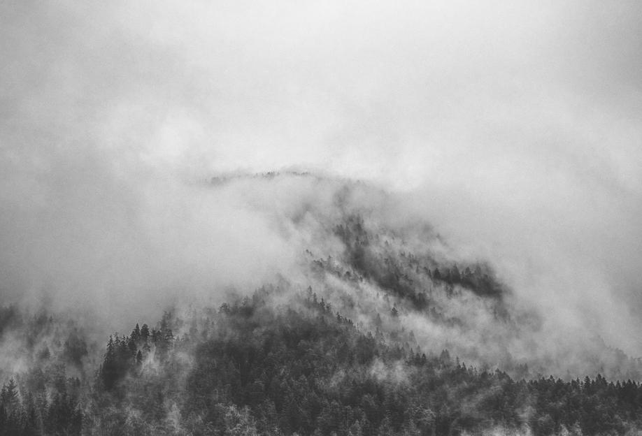 Moody Clouds 1 -Acrylglasbild
