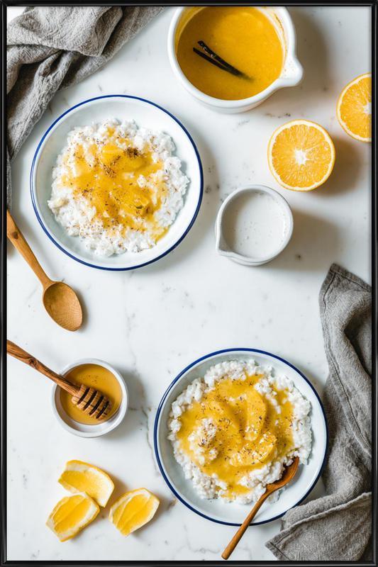 Frühstück mit Milchreis -Bild mit Kunststoffrahmen