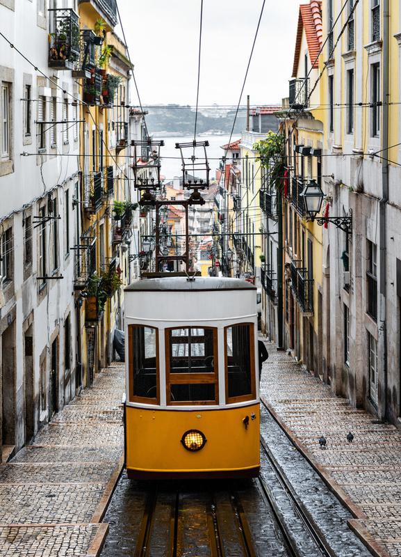 Yellow Tram -Leinwandbild