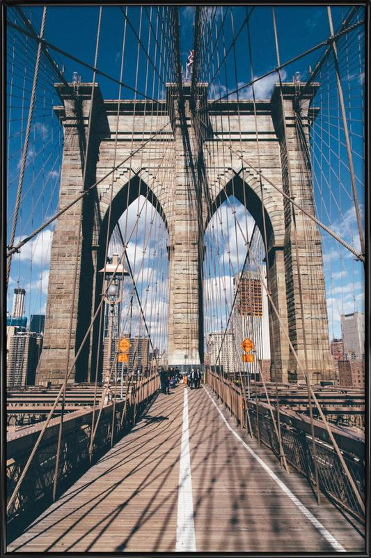 Crossing the Bridge -Bild mit Kunststoffrahmen