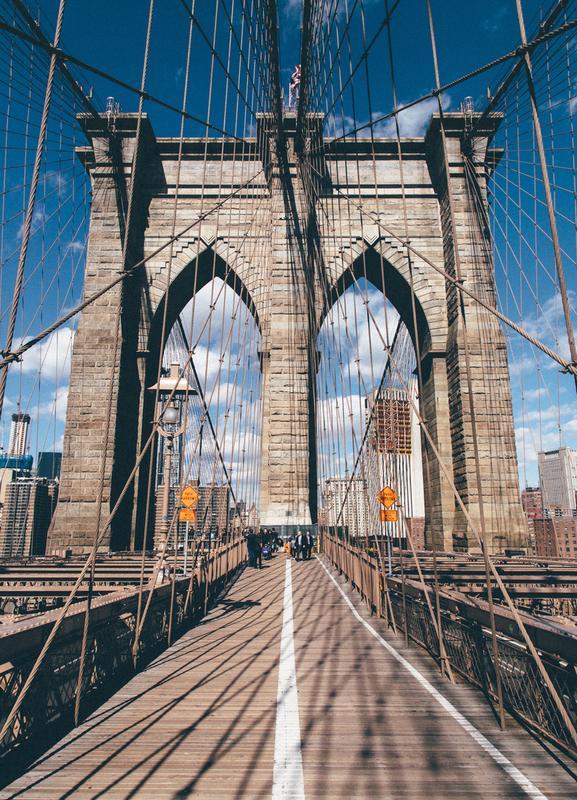 Crossing the Bridge canvas doek