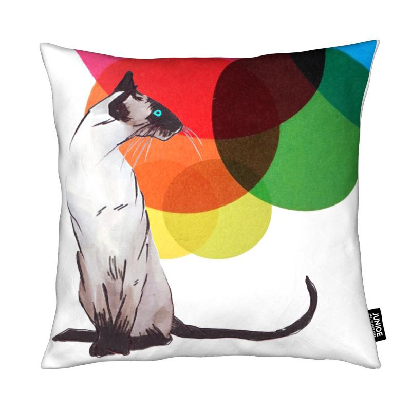 Chats, Art pour enfants, Siamese Cat with colorful balls coussin
