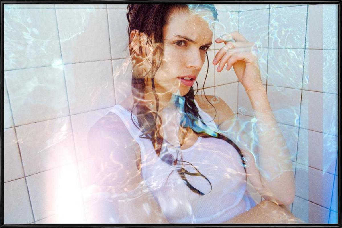 Water runs cold -Bild mit Kunststoffrahmen